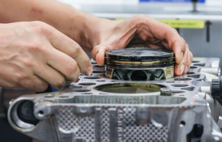 Porsche fabrica pistões do motor por Impressão 3D