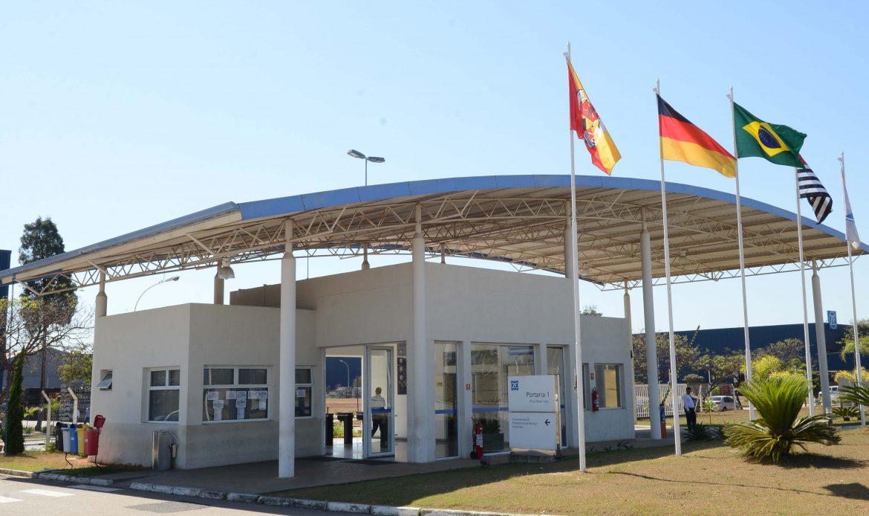 ZF celebra 35 anos de produção de eixos no Brasil